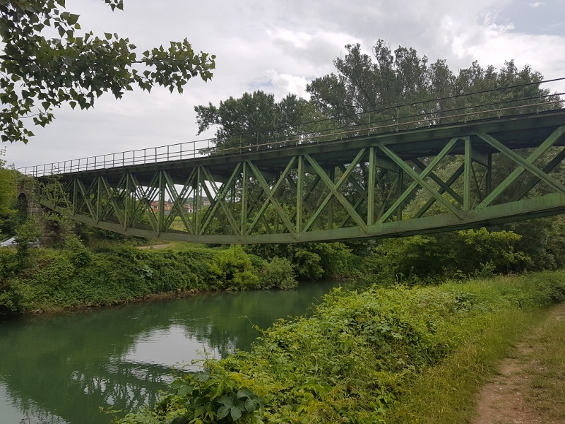 zalosce-zelezniski-most-2-800x600